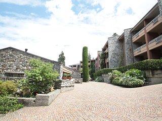 Comfortable Condo with Television and Balcony - Porto Valtravaglia vacation rentals