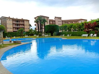 Beautiful Condo with Shared Outdoor Pool and Television - Brezzo di Bedero vacation rentals