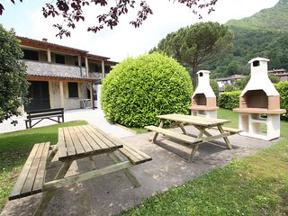 Nice Condo with Internet Access and Shared Outdoor Pool - Idro vacation rentals