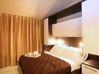 Romantic 1 bedroom Condo in Torre Pedrera - Torre Pedrera vacation rentals