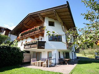 Beautiful Condo with Internet Access and Television - Aschau im Zillertal vacation rentals
