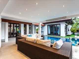 Private pool villa in Kamala, 4 bedrooms - Kamala vacation rentals