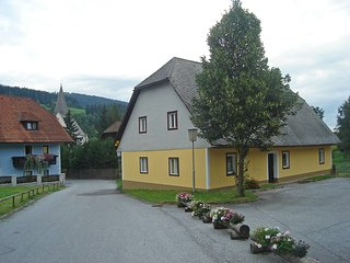 Beautiful 4 bedroom Hirschegg Rein House with Internet Access - Hirschegg Rein vacation rentals
