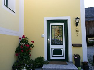Bright Aich Apartment rental with Internet Access - Aich vacation rentals