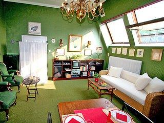Comfortable 1 bedroom Vacation Rental in Innere Stadt - Innere Stadt vacation rentals