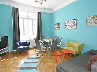 Bright Condo with Internet Access and Television - Margareten vacation rentals
