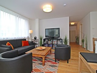 Bright Condo with Internet Access and Television - Rudolfsheim-Funfhaus vacation rentals