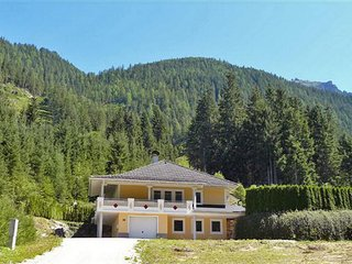 Comfortable 4 bedroom Obertauern House with Internet Access - Obertauern vacation rentals