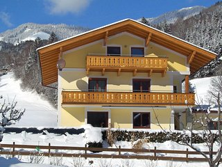 Beautiful 4 bedroom Condo in Bruck with Television - Bruck vacation rentals