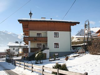 Cozy Apartment with Television and Microwave in Kaprun - Kaprun vacation rentals
