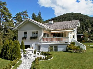Nice Condo with Internet Access and Television - Scharnitz vacation rentals