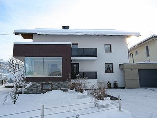 Cozy Condo with Television and Balcony in Kaltenbach - Kaltenbach vacation rentals