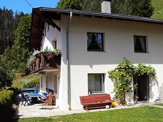 Beautiful 1 bedroom Pettneu am Arlberg Apartment with Shared Outdoor Pool - Pettneu am Arlberg vacation rentals
