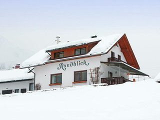 Cozy 2 bedroom Apartment in Görtschach with Internet Access - Görtschach vacation rentals
