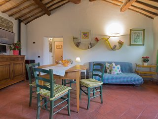 Comfortable House with Internet Access and Shared Outdoor Pool - Monteriggioni vacation rentals