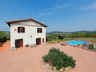 Comfortable 5 bedroom Ponte di Gabbiano House with Shared Outdoor Pool - Ponte di Gabbiano vacation rentals