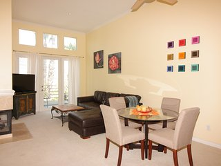 TOP FLOOR FURNISHED PENTHOUSE NEAR JWA AIRPORT & NEWPORT BEACH - Irvine vacation rentals