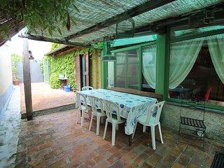 Bright 2 bedroom Ameglia House with Television - Ameglia vacation rentals