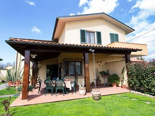 Comfortable House with Television and Microwave - Pietrasanta vacation rentals