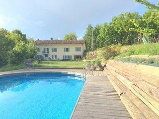 Charming farmhouse hideaway with pool near Asti - Belveglio vacation rentals