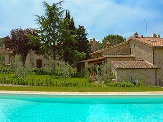 Comfortable Condo with Internet Access and Shared Outdoor Pool - Gaiole in Chianti vacation rentals