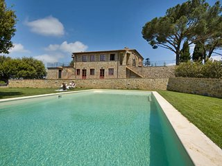Beautiful Condo with Internet Access and A/C - Montalcino vacation rentals