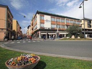 Comfortable 1 bedroom Piombino Apartment with Internet Access - Piombino vacation rentals