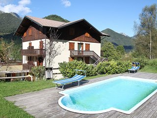 Nice Condo with Internet Access and Shared Outdoor Pool - Tiarno di Sotto vacation rentals