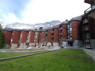Comfortable Condo with Television and Parking - Breuil-Cervinia vacation rentals