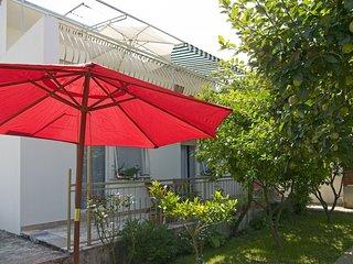 Nice Condo with Internet Access and Television - Podstrana vacation rentals