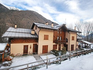 Comfortable 2 bedroom Condo in Mezzana with Television - Mezzana vacation rentals