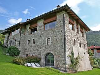 Beautiful Condo with Internet Access and Shared Outdoor Pool - Terme di Comano vacation rentals