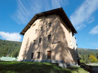 Comfortable Madonna Di Campiglio Apartment rental with Television - Madonna Di Campiglio vacation rentals