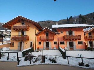 Bright 3 bedroom Pinzolo Apartment with Internet Access - Pinzolo vacation rentals