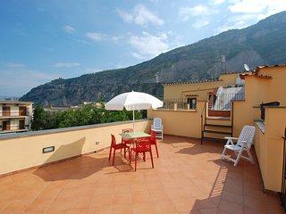 Comfortable 1 bedroom Sorrento Apartment with Internet Access - Sorrento vacation rentals