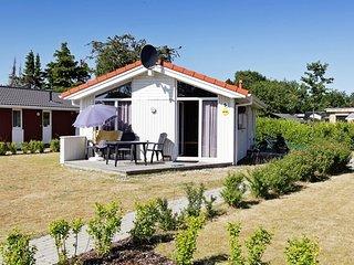 Cozy 2 bedroom House in Gromitz with Internet Access - Gromitz vacation rentals