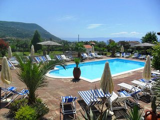 Nice Condo with Internet Access and Shared Outdoor Pool - Capo Vaticano vacation rentals