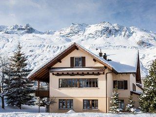 Gemsstock Chalet for up to 16 people - Andermatt vacation rentals