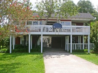 Lovely House with A/C and Garage - Pawleys Island vacation rentals