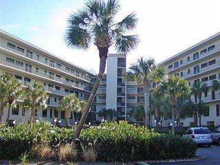 Litchfield Retreat 304 - Pawleys Island vacation rentals