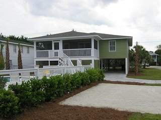 Comfortable 4 bedroom House in Pawleys Island with A/C - Pawleys Island vacation rentals