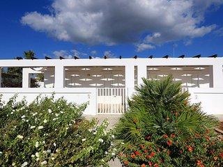 Romantic 1 bedroom Lido Marini House with Television - Lido Marini vacation rentals