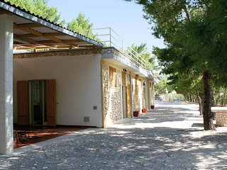 Adorable 2 bedroom Mattinata Apartment with Shared Outdoor Pool - Mattinata vacation rentals