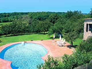 Nice 2 bedroom Sovicille House with Shared Outdoor Pool - Sovicille vacation rentals