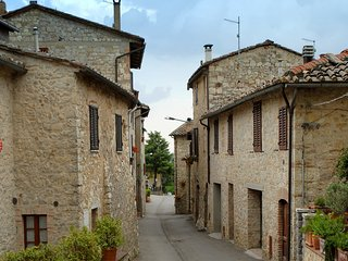 Comfortable Condo with Internet Access and A/C - Gaiole in Chianti vacation rentals