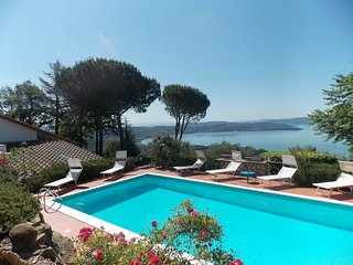 Comfortable House with Internet Access and Shared Outdoor Pool - Passignano sul Trasimeno vacation rentals