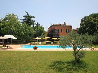 Nice House with Shared Outdoor Pool and Television - Bettona vacation rentals