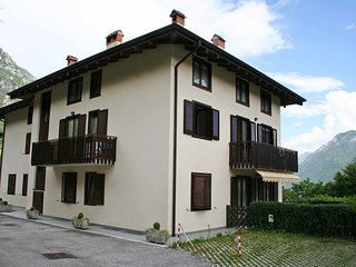3 bedroom Apartment with Internet Access in Molina di Ledro - Molina di Ledro vacation rentals