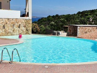 2 bedroom Condo with Shared Outdoor Pool in Baia Sardinia - Baia Sardinia vacation rentals