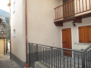 Nice Condo with Television and Washing Machine - Druogno vacation rentals